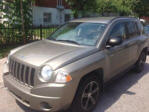 JEEP COMPASS 2008 4x4 NORTH EDITION NEW SHOCKS AND WINTER TIRES.