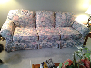 MISCELLANEOUS  FURNITURE ITEMS
