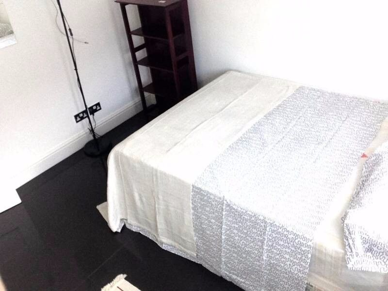 Newly Refurbished room in Beautiful EAST London 07455944875