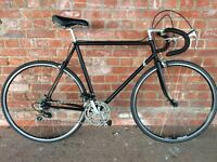 VINTAGE ROAD RACING BIKE IDEAL STUDENT COMMUTER BLACK POWDER COATED FRAME AERO 700c