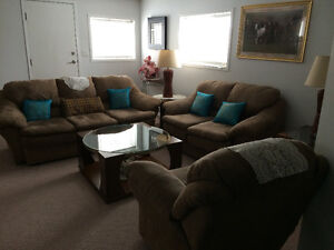 2 BEDROOM WALKOUT FURNISHED SUIT IN RIVERBEND AREA