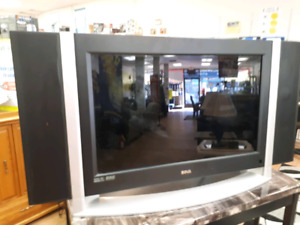 "26"" Sova TV and Remote -- PARTS ONLY"