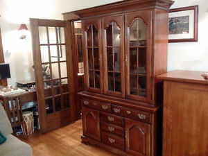 Solid cherry wood china cabinet - excellent condition Kitchener / Waterloo Kitchener Area image 2