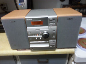 MINI SONY AM/FM/RECEIVER/C.D PLAYER WITH REMOTE ( GREAT SOUND )