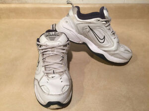 Men's Nike Air Monarch Shoes Size 8.5 Wide London Ontario image 7