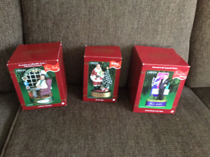 REDUCED,,,,,,,,,,,,,  CARLTON CARDS CHRISTMAS SINGING ORNAMENTS