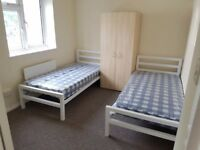 Single Bed Share Room Studio Bedsit Clean Safe Furnished Wifi Zone 2/3 Buses cheap student all bills