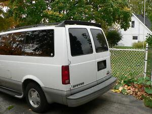 2000 GMC Safari Minivan, Van Cambridge Kitchener Area image 3