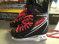 Boys size 2 Skates- used 2 times $25 - in Vernon