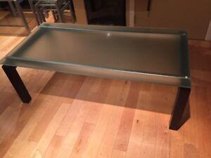 Table de salon en verre trempé, bois et aluminium brossé!!