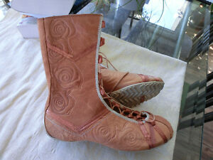 "Beautiful Light Brown Leather ""PONY"" Boots"