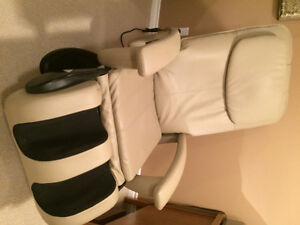 VIBRATION MASSAGE ARM CHAIR