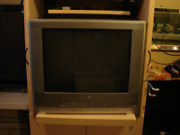 """27"""" Color TV , DVD and VCR all in one with Remote"""