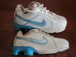 Nike toddler size 7 shoes