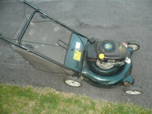 Tondeuse a gazon , lawnmower Yard works 4.5hp