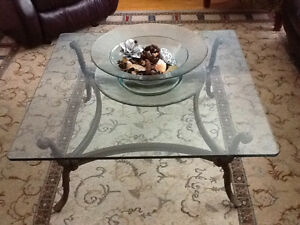 Bombay Glass Top Wrought Iron Coffee Table West Island Greater Montréal image 2