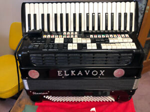 **ELKAVOX  ELECTRONIC ACCORDIAN/MIDI/SOUND GENERATOR/MIXER**