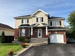 Very Great house to sell in Mirabel - In-ground Pool !