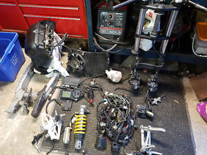 Parting out 2006 cbr600f4i