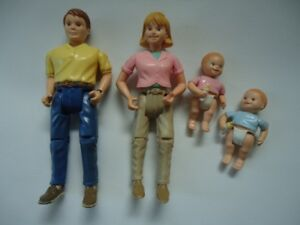 Doll house family of 4 fisher price pretend play