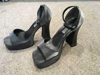 60's / 70's Platform Shoes Size 6 Fancy Dress