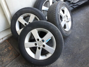4 mags 15 pouces mazda ***120$