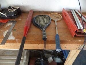 Softballs & Gloves Aluminium Bats & Rackets Cornwall Ontario image 4