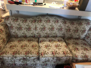 Couch for sale (move out )