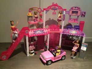 Barbie Mall with 5 dolls & Jeep - Centre commercial Barbie