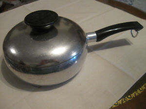 OLD VINTAGE WEAR-EVER COLLECTIBLE ALUMINUM COOKING POT