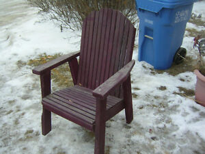 OLD SOLID WOOD ANDIRONDACK STYLE COTTAGE DECK CHAIR $30