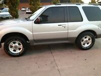 Mint Ford Explorer 4x4
