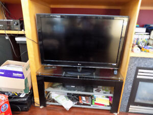 TV, SURROUND SOUND TECHNICAL PROBLEMS, RE INSTALL WINDOW FOR PC.