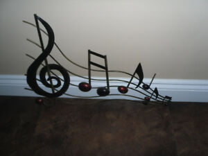 LARGE MUSIC NOTE