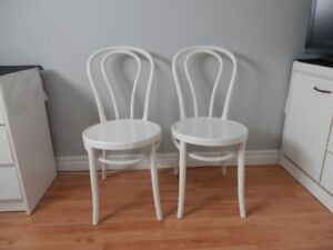 chaises bistro (6)  Bureau 3 tiroirs blanc petite table portativ