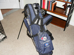 Golf Bag with Harness, Built-In Stand, and Club Cover