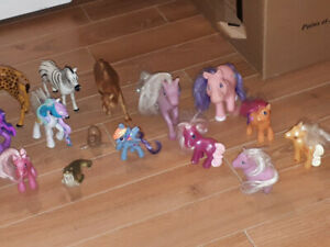 lot de figurine de qualité tel que pouliche,little poney,animaux