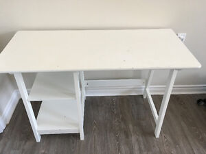 White Desk in a GOOD condition for sale!