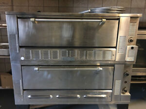 GARLAND PIZZA OVEN