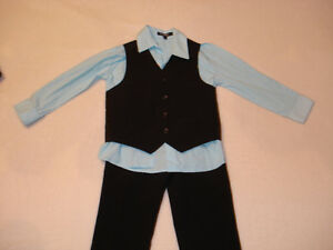 George 3 Pieces Boys Outfit Size 4T