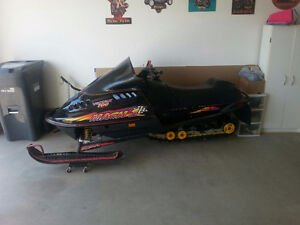 SLED SEASON ALMOST HERE!! Must sell, reduced from 2300$......