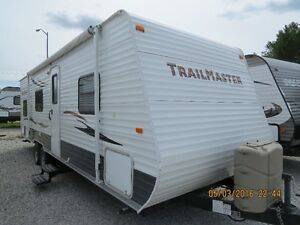 2013 EXCELLENT CONDITION LIKE NEW!! 275 BH TRAILMASTER 30'