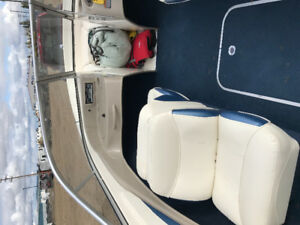 2001 Bayliner Capri very low hours