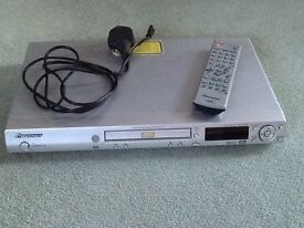 Pioneer DVD player DV 2750-S with remote control