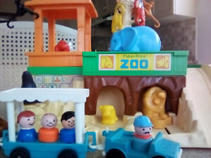 Fisher Price Little People Zoo - Vintage - 1984 - Very Clean