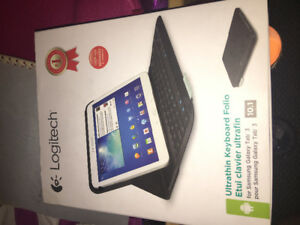 Galaxy tab 3 folio 10.1 inch, new in box!