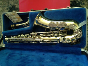 Armstrong Saxophone