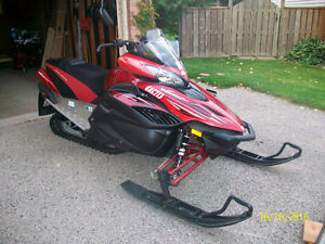 2010 Yamaha Vector   EXCELLENT CONDITION London Ontario image 2