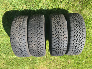 Pneus hiver - Winter tires 205 / 55R16 91S