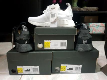 Adidas JAPAN nmd_r1 triple black size US 9.5 white size US 5